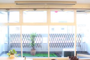 ソシラボの大きな窓